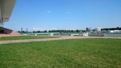 今日の札幌競馬場(何気にポツンと見える人が同級生でした=笑)