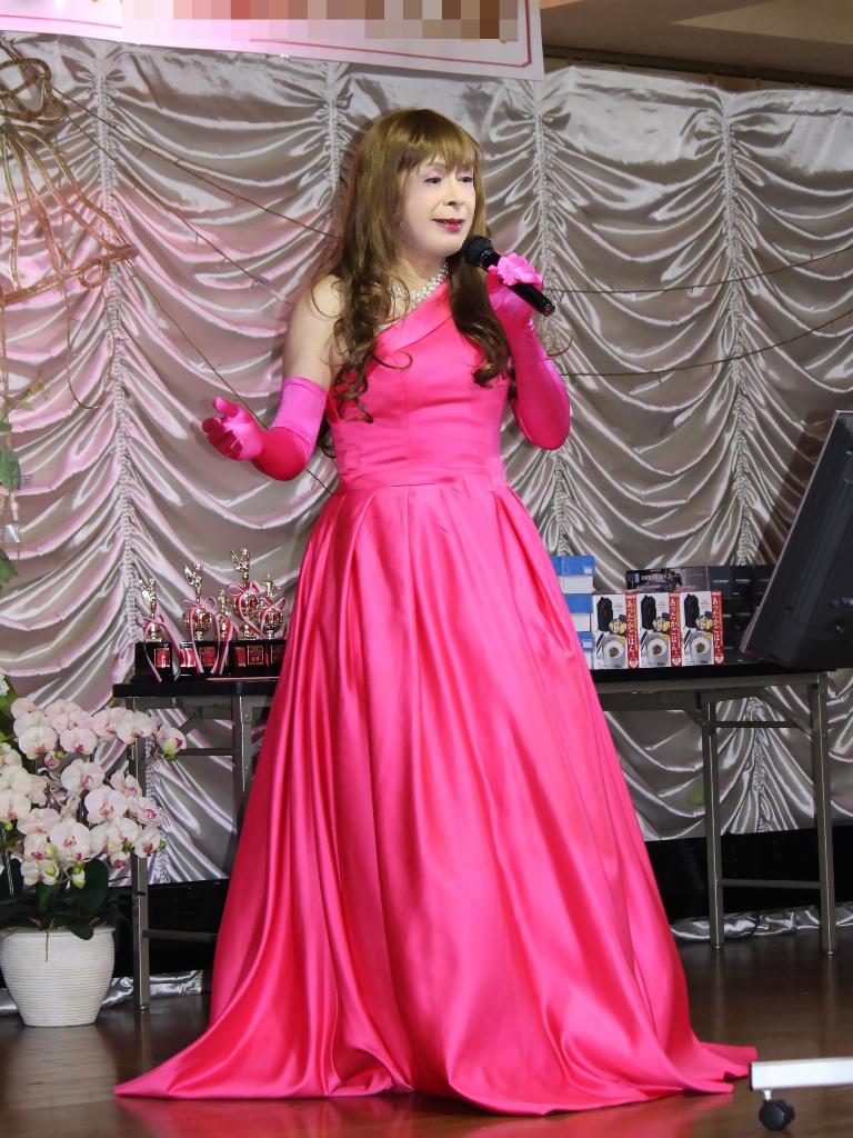 フクシアカラードレス舞台(5)