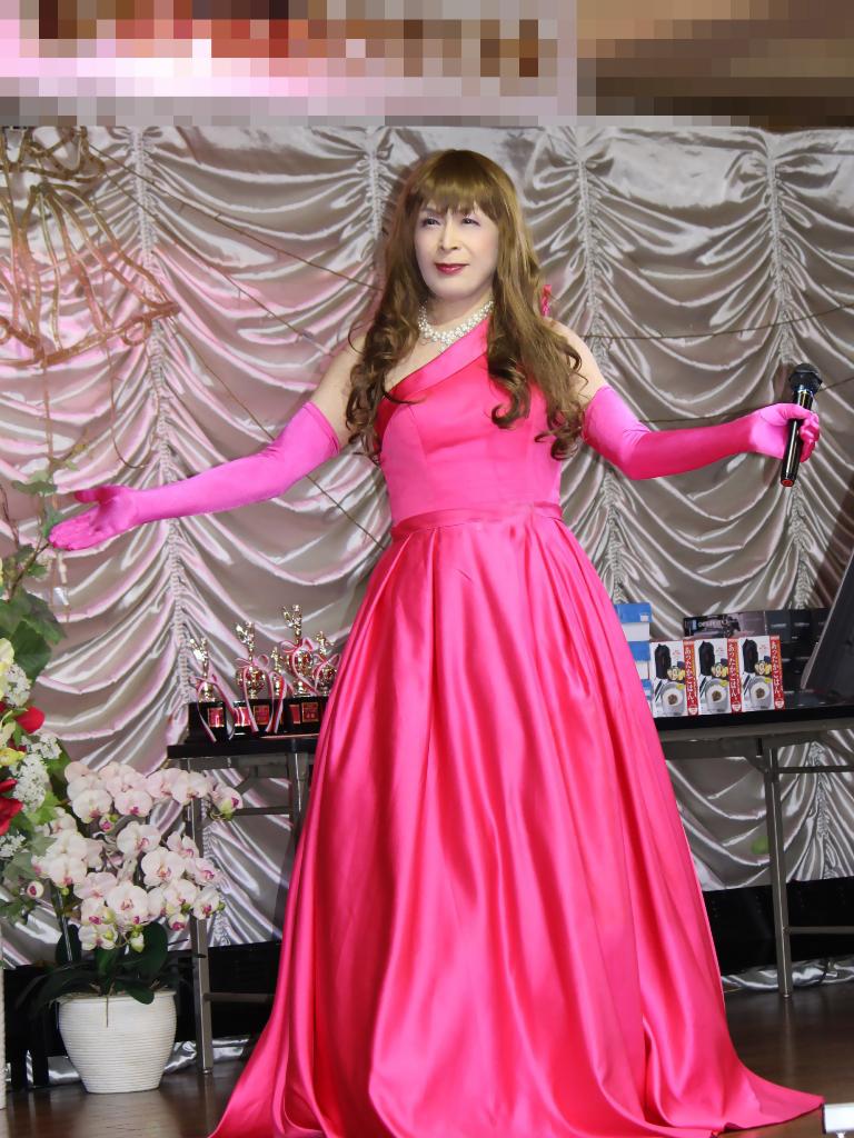 フクシアカラードレス舞台(4)
