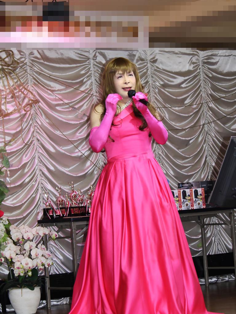 フクシアカラードレス舞台(7)
