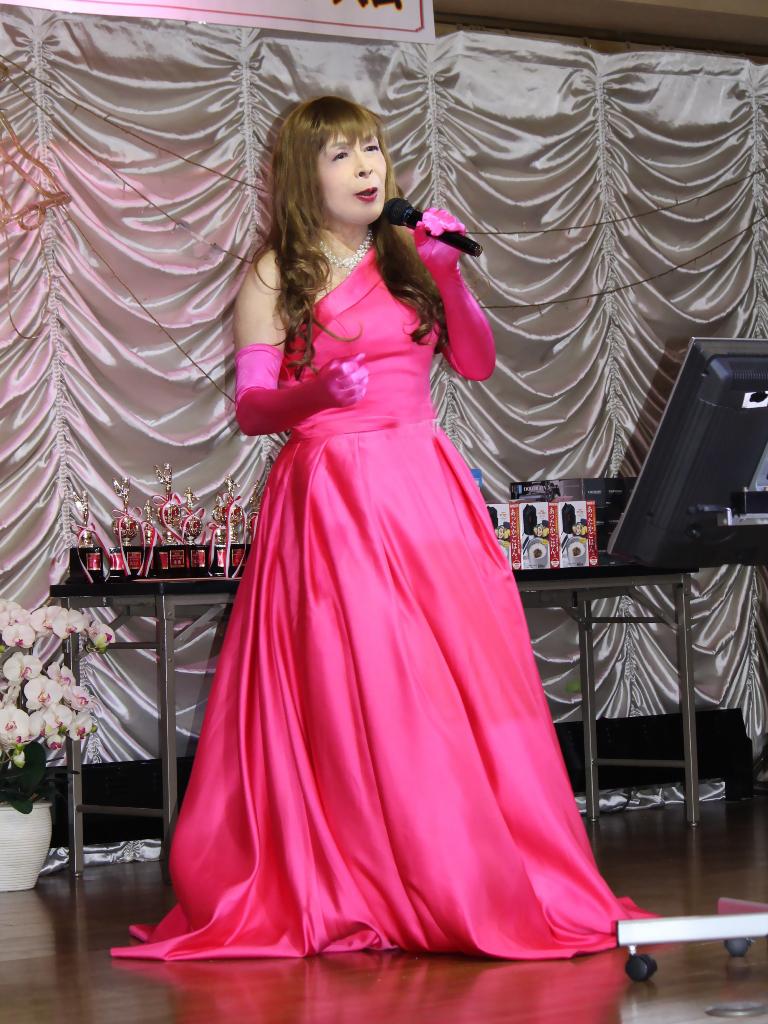 フクシアカラードレス舞台(6)
