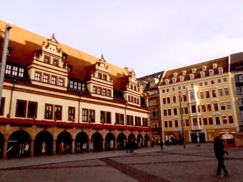 マルクトプラッツに並ぶ旧商工ギルドの建物