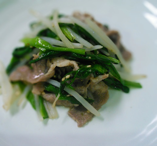 24豚バラともやしのナムル風サラダ