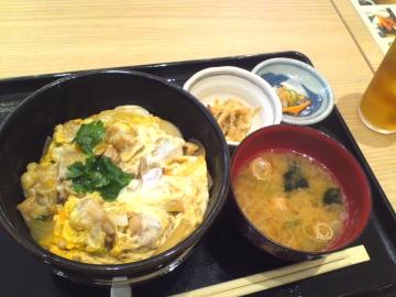 薩摩赤鶏の玉とじ丼