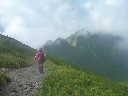 雷鳥岩への稜線