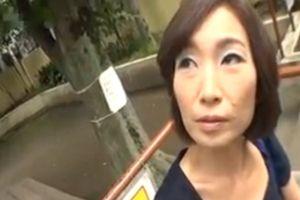 【無修正】50代熟女さんは旦那が浮気してヤケになっておまんこ犯される熟女セックス動画