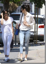 Kendall-Jenner-270819 (4)