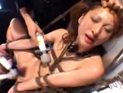 美人女優の露出と接吻 無料アダルト動画 TokyoTube(3)