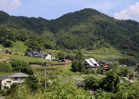 山間の村1