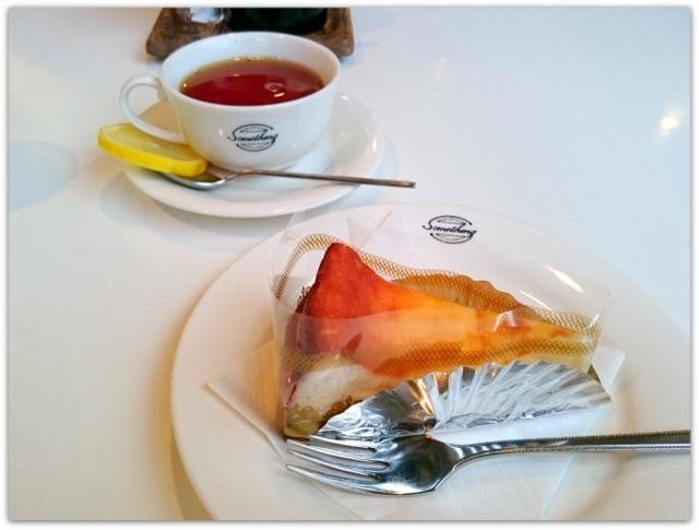 青森県 弘前市 弘前文化センター サムスィング ケーキセット チーズケーキ 紅茶 グルメ スィーツ