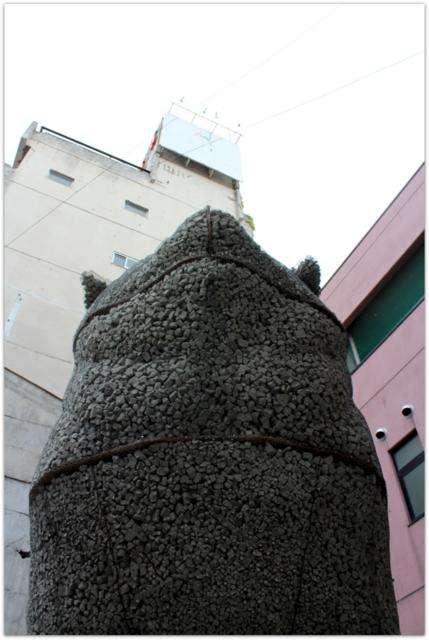 秋田県 大館市 ハチ公通り 商店街 石 ハチ公