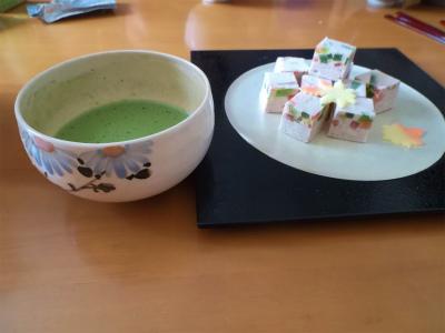 9.23和菓子と抹茶