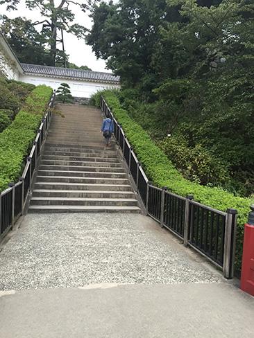 天守へ向かうルート_H27.09.22撮影