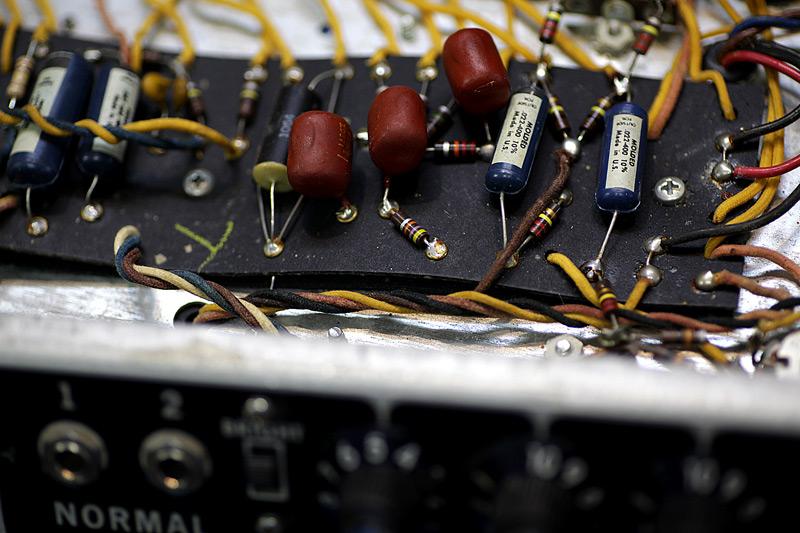 Fender Bassman 修理