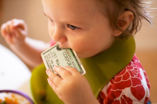 クレジットカード犯罪を未然に防ぐためのトラベルグッツや旅の準備