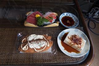 刺し身と白煮魚フライ4