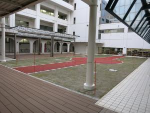 1503大学中庭 完成