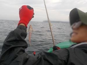 DSCN0984 6時50分初魚はトラギスでした