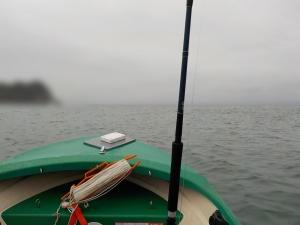 DSCN1021 小雨うねり高いけど風少なし出航