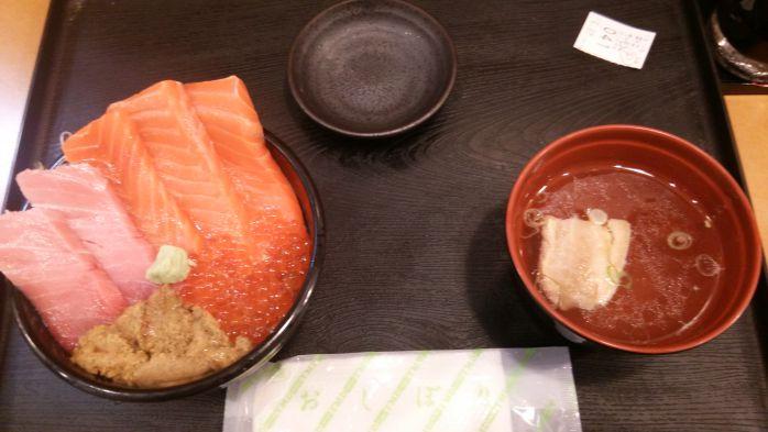 14_ウニいくら丼