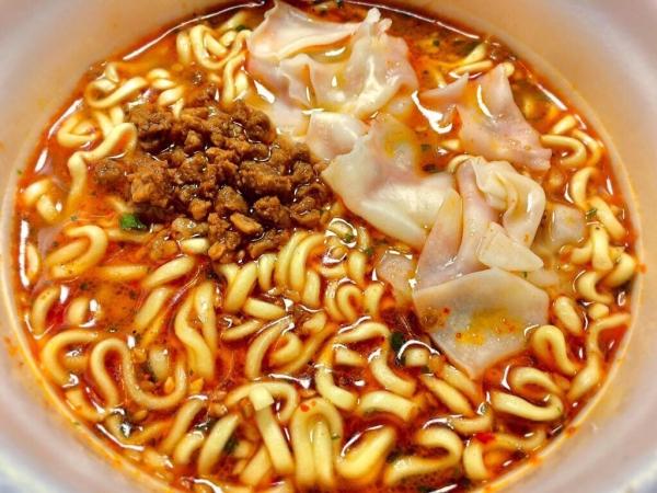 坦坦ワンタン麺