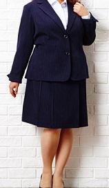 20150923スーツのポチャ女性