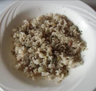 混ぜ合わせたペペロンチーヌご飯