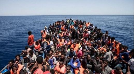 2015-8-25ヨーロッパを目指す移民船
