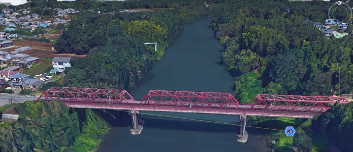 2015-9-17守屋市板戸井の滝下橋から鬼怒川決壊方面(上流)を見る