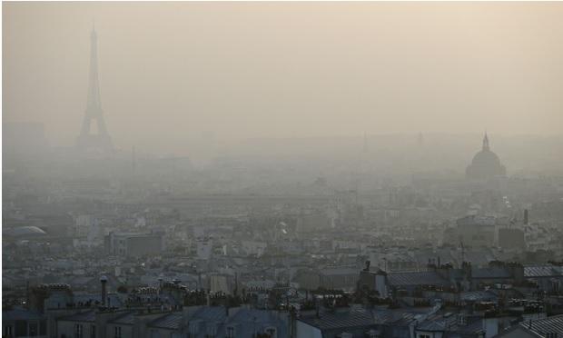 2015-9-28パリの大気汚染写真