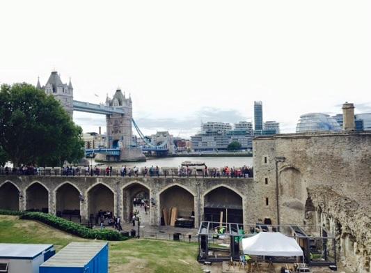 2015-9-2815年8月のロンドン塔とタワーブリッジ