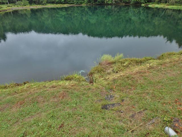 20150830御射鹿池の落水開始 (13)