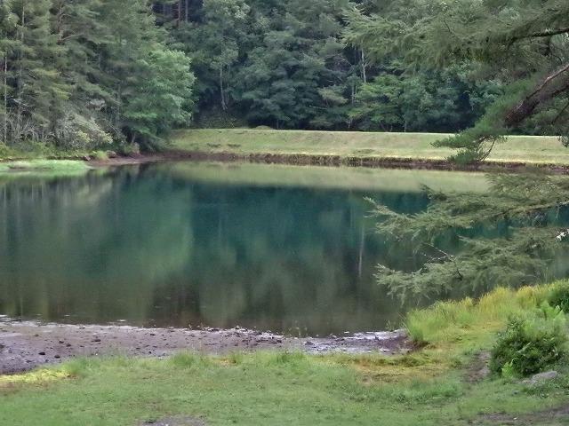 20150830御射鹿池の落水開始 (17)