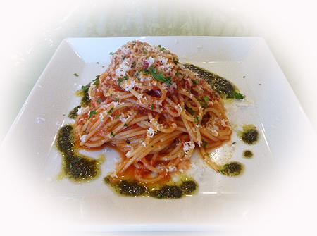 トマト&バジルペ-ストのパスタ 2