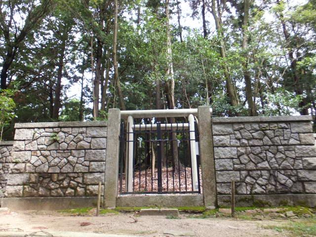 大碓皇子(おおうすのみこ)の墳墓