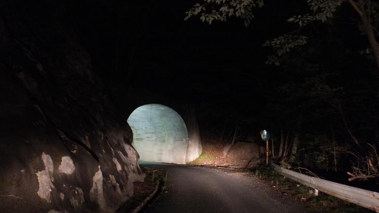 カタツムリトンネル