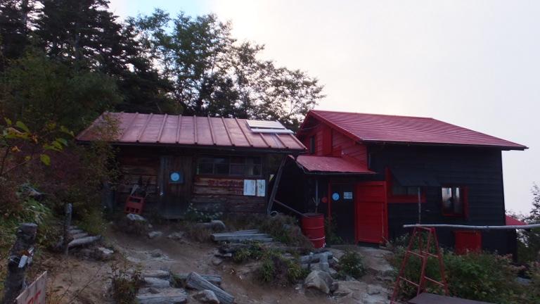 越百小屋、避難小屋
