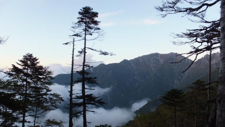 越百小屋付近から望む南駒ヶ岳