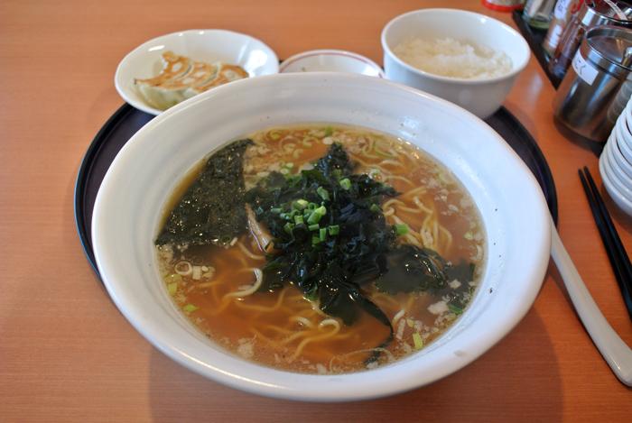 麺 まんぷく@宇都宮市峰 醤油ラーメン+餃子セット