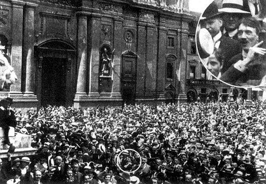 第一次大戦開始を喜ぶヒットラー