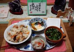 朝ごはん ちらし寿司・イカソー麺他