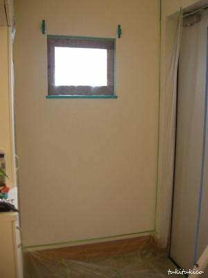 玄関の壁ペイント2