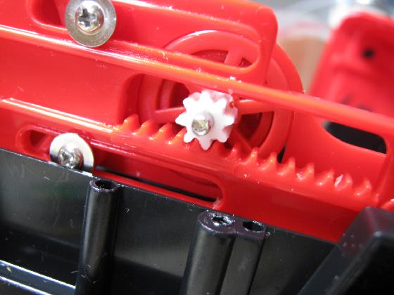 消防車MARUSHOの修理(ギア製作)治療4