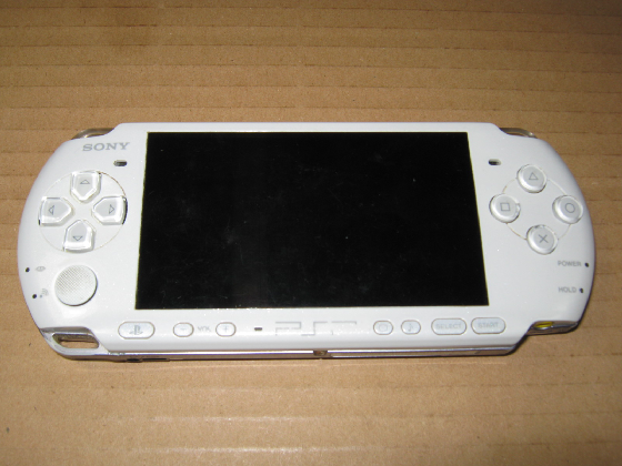 PSP-3000の修理(電源SW不良)外観