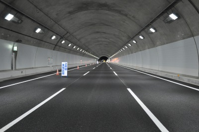 LEDランプのトンネル