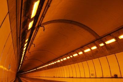 トンネル内の画像3