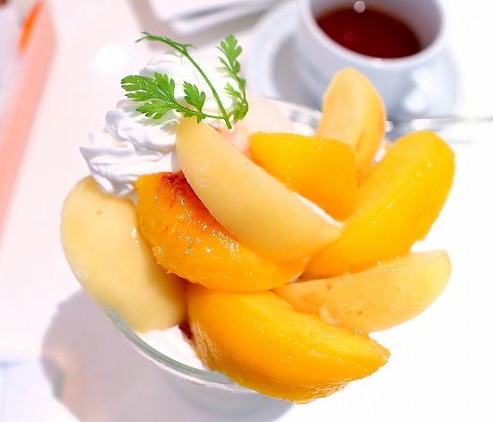 黄金桃&桃の2種のパフェ03@FOURSEASONS CAFE 2015年08月