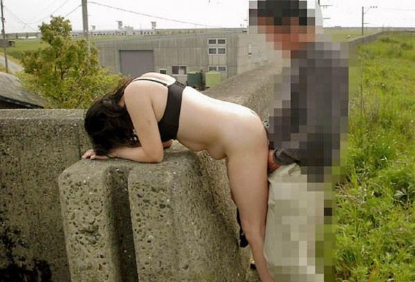 野外セックス画像 24