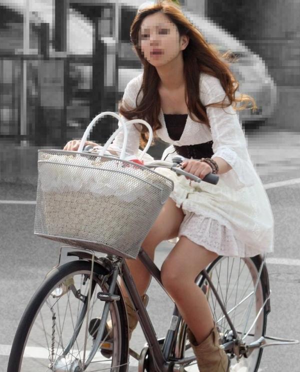 自転車パンチラ画像 18