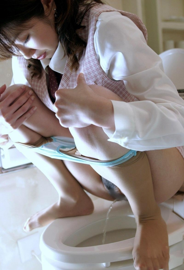 おしっこ排尿画像 6
